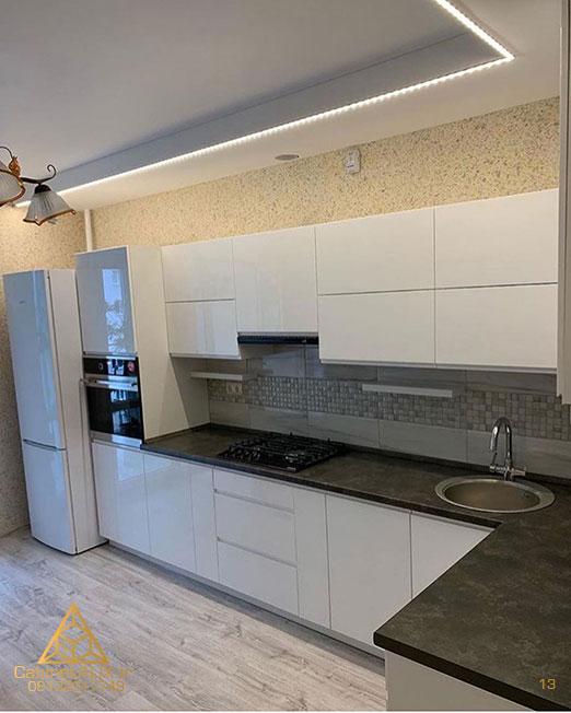 کابینت آشپزخانه رنگ کرم گردویی